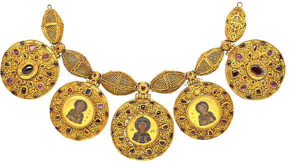 Jewelry「Necklace with pendants, Early 12th century. Artist: Ancient Russian Art」:写真・画像(12)[壁紙.com]
