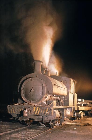 Stuart - Florida「A Scottish Stewart built 5'3'' gauge 0-4-0 ST 1903 during its workday chores at its Steelwork at Mogi Das Cruzes.14-11-1978.」:写真・画像(19)[壁紙.com]