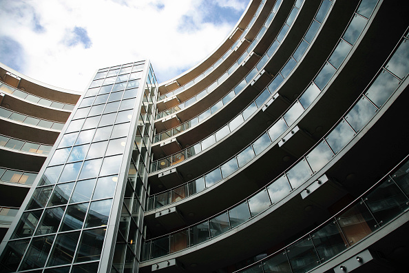 Industrial Equipment「The Gasworks, Dublin, Ireland, 2008 Old gasometer converted into luxury apartments」:写真・画像(9)[壁紙.com]