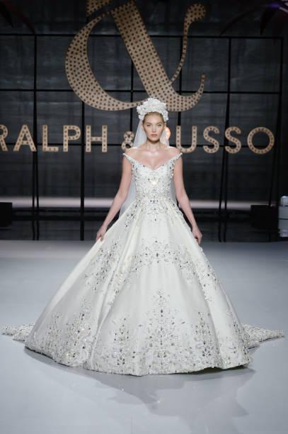 Ralph & Russo : Runway - Paris Fashion Week - Haute Couture Spring Summer 2019:ニュース(壁紙.com)