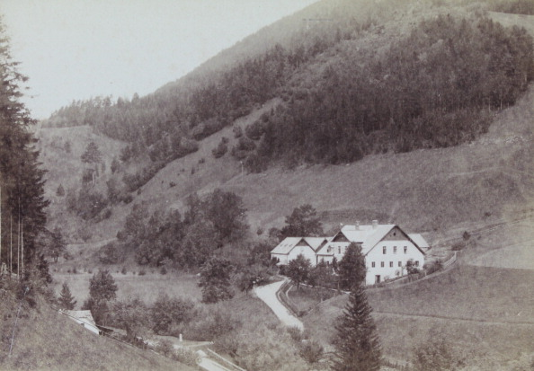 Close To「Farmhouse In A Wooded Landscape Near Gutenstein [Probably]. About 1890. Photograph By C. Wilhelm Sommerfeld / Vienna & Gutenstein. Photograph.」:写真・画像(10)[壁紙.com]