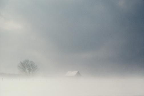 吹雪「Farmhouse in snowstorm, Canada」:スマホ壁紙(17)