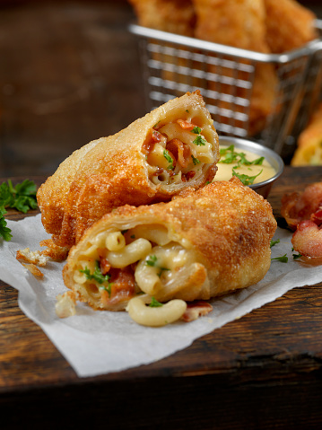 Wonton「Bacon Macaroni and Cheese Spring Rolls with Cheese Dip」:スマホ壁紙(17)