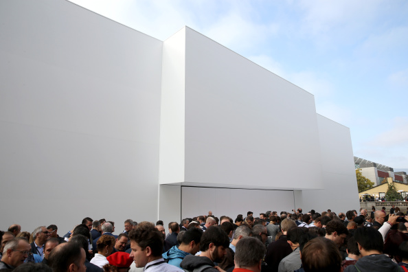 Apple Watch「Apple Unveils iPhone 6」:写真・画像(11)[壁紙.com]