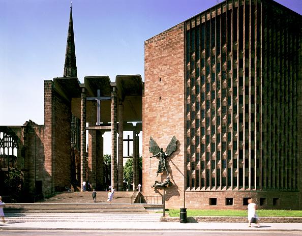 Basil「Coventry Cathedral, West Midlands, 1989.」:写真・画像(11)[壁紙.com]