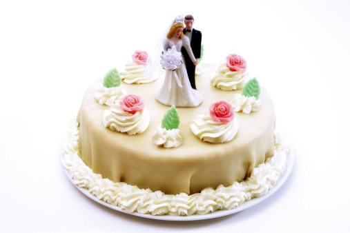 Heterosexual Couple「Wedding cake topper with bride and groom」:スマホ壁紙(12)