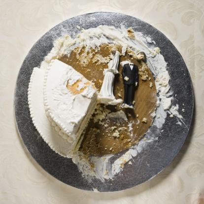 Married「Wedding cake visual metaphor with figurine cake toppers」:スマホ壁紙(6)