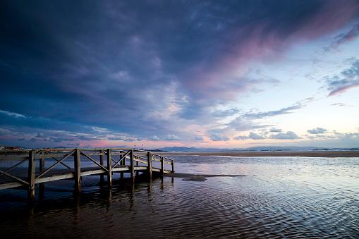 スペイン「wooden Jetty, Los Lances beach, Tarifa, Cadiz, Andalucia, Spain」:スマホ壁紙(4)