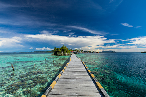 Lagoon「Wooden jetty built on coral reef in Sulawesi in Indonesia」:スマホ壁紙(10)
