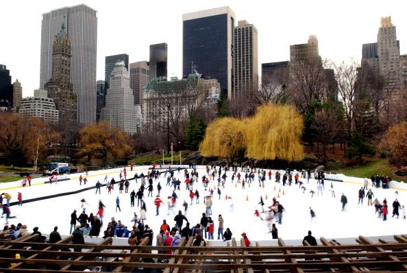 マンハッタン セントラルパーク「Ice Skaters Enjoy Central Park In New York CIty」:写真・画像(10)[壁紙.com]