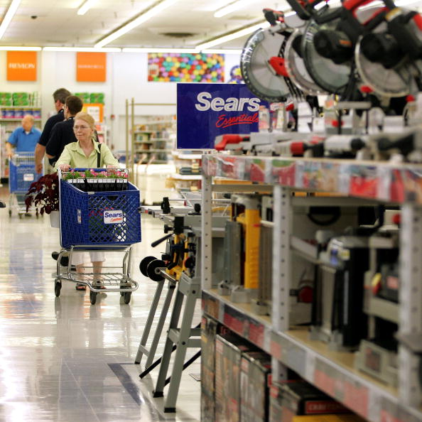 Sears Roebuck And Company「Kmart Stores Re-Open As Sears Essentials Stores」:写真・画像(19)[壁紙.com]
