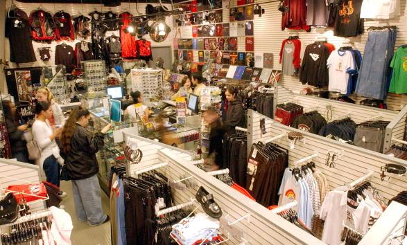 Topics「Hot Topics Retail Store in California」:写真・画像(1)[壁紙.com]