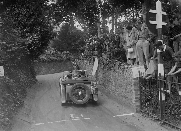 CG「MG TA of CG Gibbs competing in the MCC Torquay Rally, 1938」:写真・画像(9)[壁紙.com]
