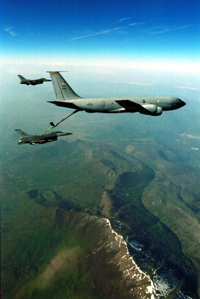 Support「F 16 Falcons From The 510Th Fighter Squadron Aviano Air Base Italy Take Fuel From A Kc 135 Over N」:写真・画像(18)[壁紙.com]