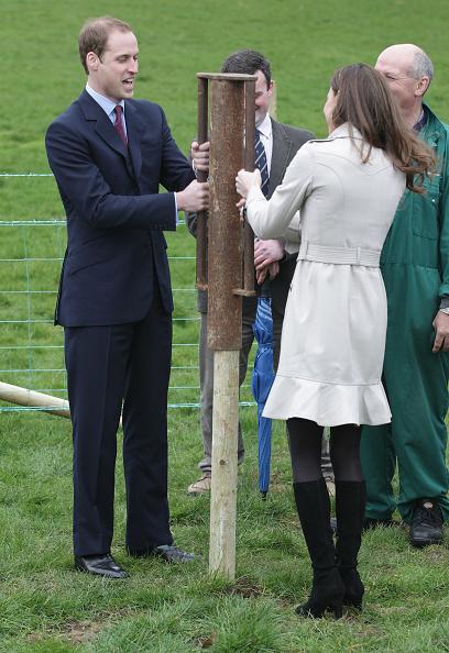Visit「Prince William And Kate Middleton Visit Northern Ireland」:写真・画像(8)[壁紙.com]