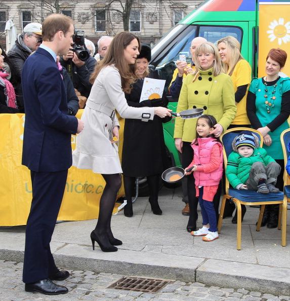 Pancake「Prince William And Kate Middleton Visit Northern Ireland」:写真・画像(6)[壁紙.com]