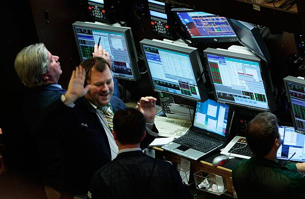 Dow Closes At All-Time High:ニュース(壁紙.com)