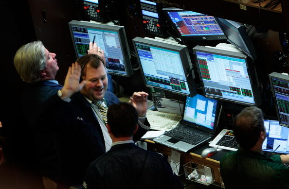 Dow Jones Industrial Average「Dow Closes At All-Time High」:写真・画像(9)[壁紙.com]