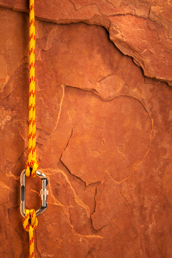 Teamwork「Climbing Equipment on a Red Rock」:スマホ壁紙(11)