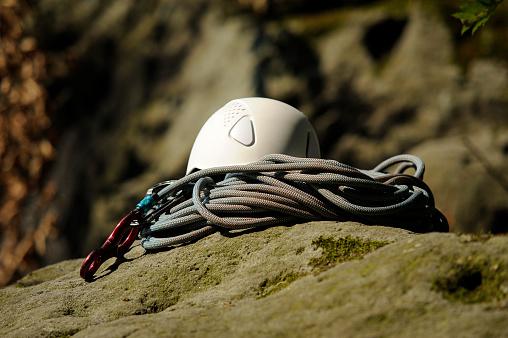 冒険「Climbing equipment on a rock」:スマホ壁紙(5)