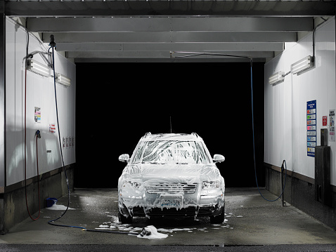 Soap「Soapy car at self service car wash」:スマホ壁紙(8)