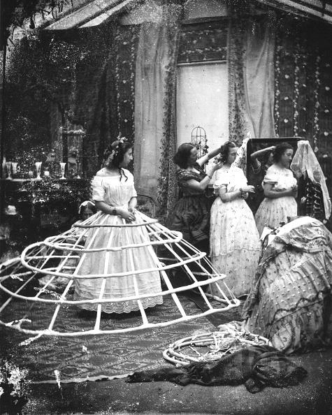 Victorian Style「Hoop Skirt」:写真・画像(10)[壁紙.com]