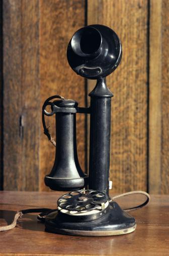 19th Century「Antique telephone」:スマホ壁紙(15)
