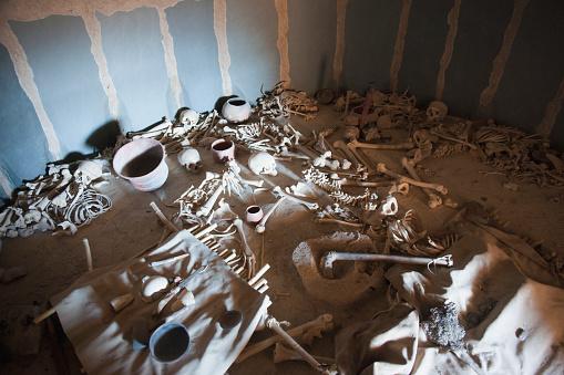 ドクロ「Burial Chamber At Los Millares; Almeria Andalusia Spain」:スマホ壁紙(9)