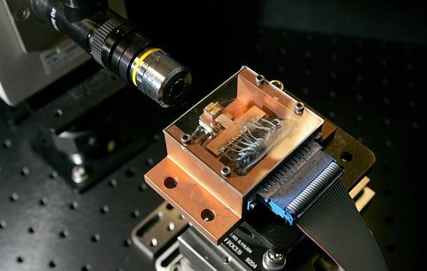 Intels Silicon Laser Chip Promises Faster Data Transfer:ニュース(壁紙.com)