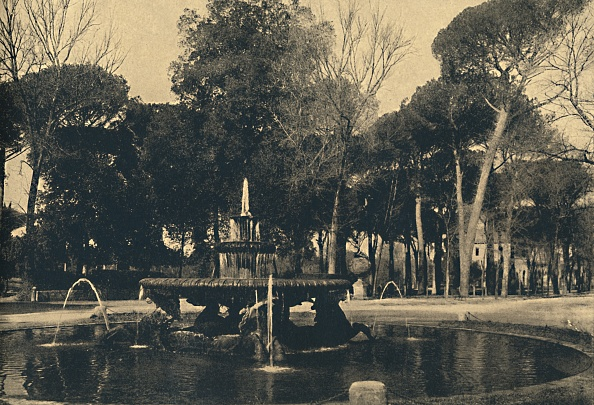 魚・熱帯魚「Roma - Villa Borghese - Fountain Of The Sea-Horses 1910」:写真・画像(19)[壁紙.com]