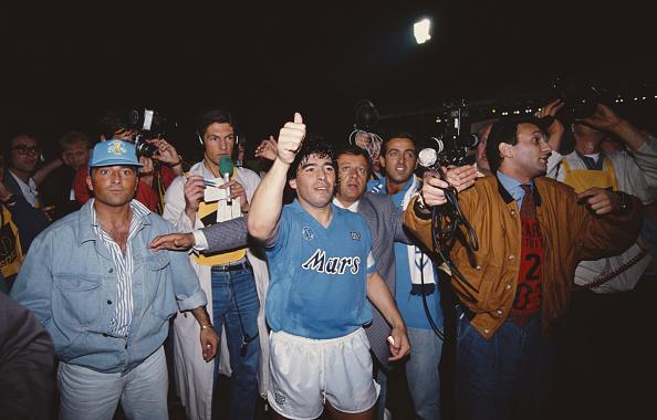 Surrounding「Diego Maradona Napoli v Stuttgart UEFA Cup Final 2nd Leg 1989」:写真・画像(3)[壁紙.com]