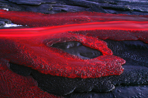 Active Volcano「Tanzania, soda lava from Ol Doinyo Lengai volcano at dusk」:スマホ壁紙(17)