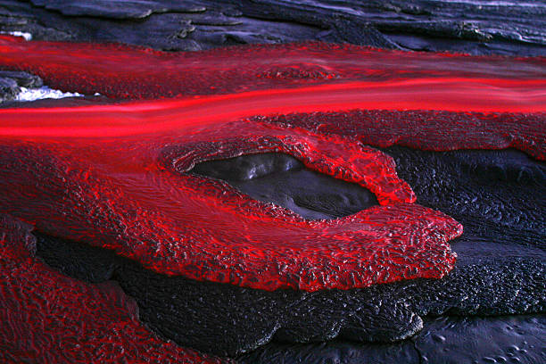Tanzania, soda lava from Ol Doinyo Lengai volcano at dusk:スマホ壁紙(壁紙.com)