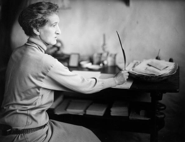 Writing「Margot Asquith」:写真・画像(0)[壁紙.com]