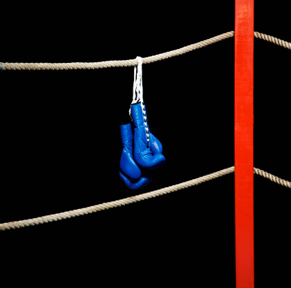 Boxing - Sport「Boxing gloves hanging from boxing ring」:スマホ壁紙(19)