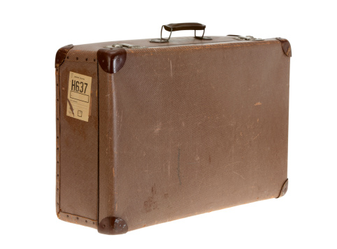 Antique「Brown vintage suitcase on white background」:スマホ壁紙(4)