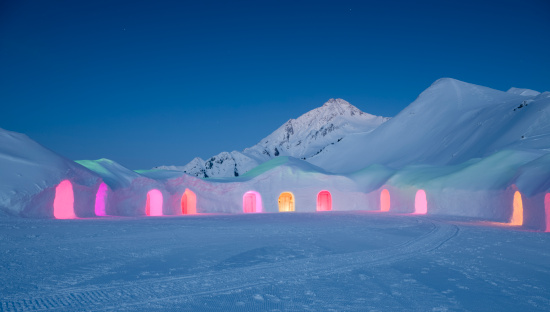 European Alps「Igloo Village at Night (XXXL)」:スマホ壁紙(8)