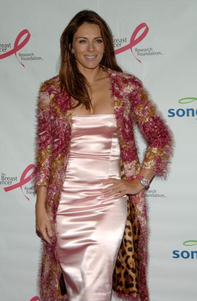 Breast「Elizabeth Hurley And Evelyn Lauder Dedicate Song's Pink Plane」:写真・画像(18)[壁紙.com]