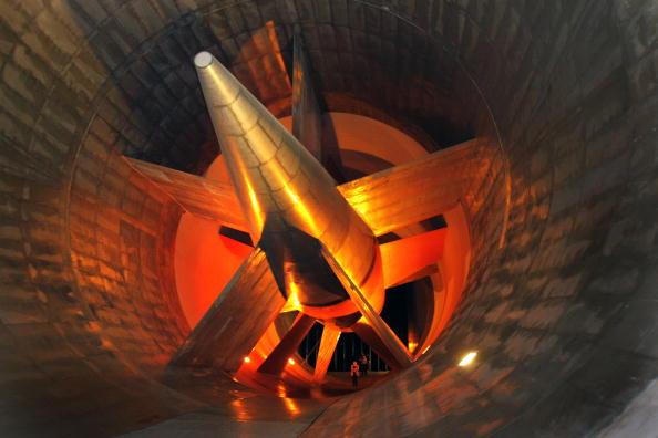 Aerodynamic「GM Marks Anniversary Of Giant Wind Tunnel At Its Aerodynamics Laboratory」:写真・画像(0)[壁紙.com]