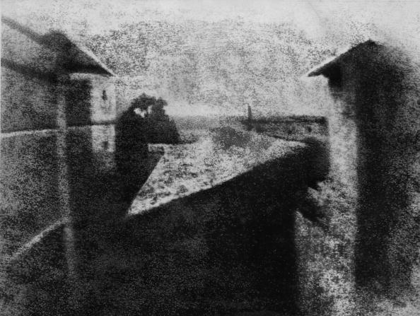 First Occurrence「First Photograph」:写真・画像(0)[壁紙.com]