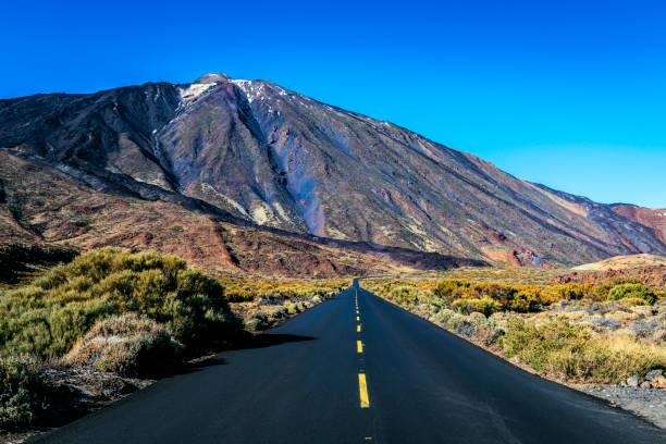 Snowy volcano EL Teide, National Park, Tenerife, Spain:スマホ壁紙(壁紙.com)