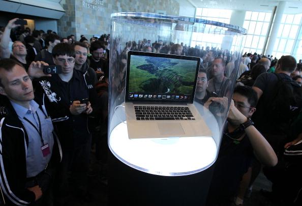 Conference Phone「Apple's World Wide Developers Conference Begins In San Francisco」:写真・画像(15)[壁紙.com]