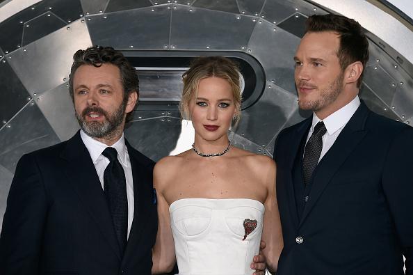 映画プレミア「Premiere Of Columbia Pictures' 'Passengers' - Arrivals」:写真・画像(15)[壁紙.com]