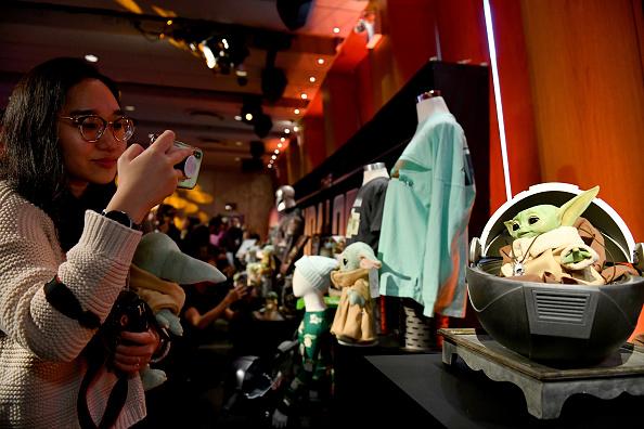 The Mandalorian - TV Show「STAR WARS New York Toy Fair Product Showcase: THE MANDALORIAN And STAR WARS: THE CLONE WARS」:写真・画像(13)[壁紙.com]