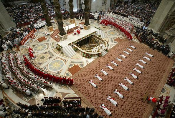 バシリカ「Pope Benedict XVI Conducts Vatican Ordination」:写真・画像(16)[壁紙.com]