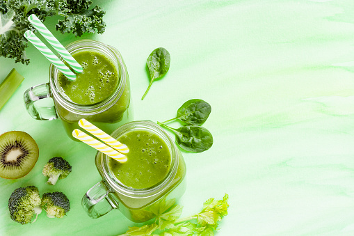 Celery「Detox diet concept: two glasses filled with green drink」:スマホ壁紙(11)