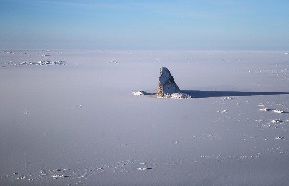 Arctic「NASA Continues Efforts To Monitor Arctic Ice Loss With Research Flights Over Greenland and Canada」:写真・画像(13)[壁紙.com]