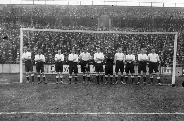 Soccer Team「Spurs 1912」:写真・画像(4)[壁紙.com]