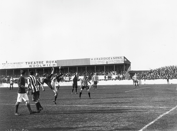 1910-1919「Back Kick」:写真・画像(2)[壁紙.com]