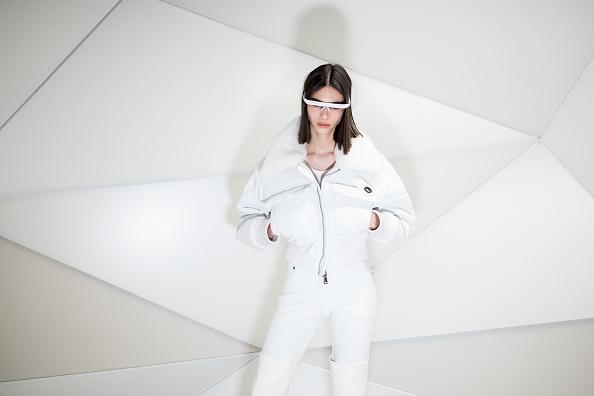 White Color「Coperni : Backstage - Paris Fashion Week Womenswear Fall/Winter 2021/2022」:写真・画像(10)[壁紙.com]